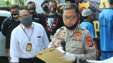 Photo of Dit Reskrimum Polda Jabar Berhasil Bekuk Dua Orang Pemalsu SIM dan Surat Penting Lainnya