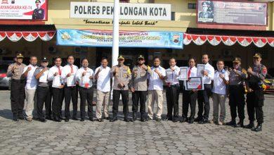 Photo of Berhasil Ungkap Kasus Pembunuhan Kurang dari 1×24 Jam, Kapolres Pekalongan Kota Beri Reward