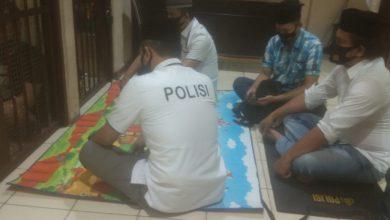 Photo of Gema Takbir Berkumandang di Ruang Tahanan Polsek Sunda Kelapa