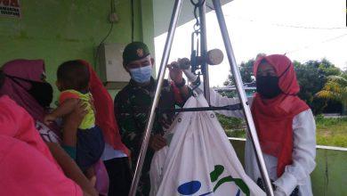 Photo of Peduli Kesehatan Anak, Babinsa Tanjung Riau Dampingi Program Imunisasi Balita dan Lanjutan