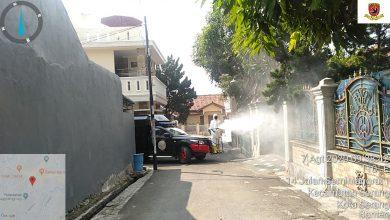 Photo of Sat Brimobda Banten Semprot Disinfektan ke Perumahan dan Fasilitas Umum