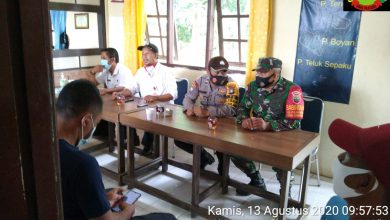 Photo of Jelang HUT RI Ke-75, Babinsa 05 Koramil 02/BB Gelar Rapat Bersama Untuk Pelaksanaan Upacara Bendera