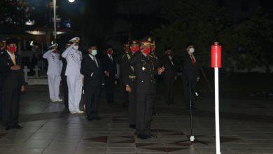Photo of Upacara Kehormatan dan Renungan Suci Peringatan HUT RI Ke-75 Dipimpin Oleh Kapolda Kepri