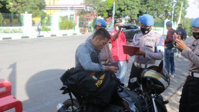 Photo of Bid Propam Polda Kepri Lakukan Pendisiplinan Penggunaan Masker Bagi Personel Polri