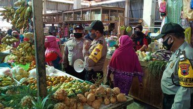 Photo of Polsek Sragi Gencarkan Patroli Pendisiplinan AKB Di Komplek Pertokoan Pasar Sragi