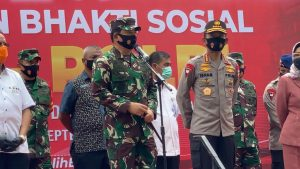 Panglima TNI dan Kapolri Lepas Bansos Bersama Tim Satgas Pendisplinan Prokes di Palu