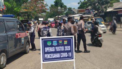 Photo of Cegah Covid-19, Polsek Cisauk Terus Gencar Lakukan Operasi Yustisi di Dua Lokasi