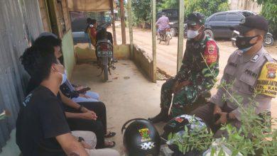 Photo of Babinsa Kabil Lakukan Komsos Sosialisasi Covid-19 di Kampung Teluk Nipah