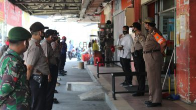 Photo of Ops Yustisi 2020, Petugas Gabungan Jaring 7 Pelanggar Prokes di Jalan Perniagaan Roa Malaka