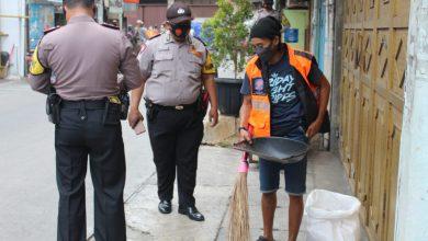 Photo of Pendisplinan Prokes di Pasar Velbak dan Jalan Kalianyar Petugas Tindak 36 Pelanggar
