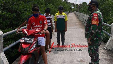 Photo of Babinsa 01 Koramil 05/BLP Lakukan Pendisiplinan Protokol Kesehatan