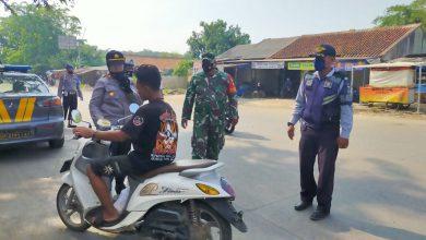 Photo of Operasi Yustisi Gabungan Polsek Cisauk Jaring 12 Pelanggar Prokes Covid-19 di Dua Lokasi