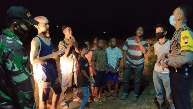 Photo of Malam Hari Tak Menurunkan Semangat Tim Tindak Covid-19 Polres Pekalongan