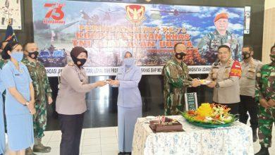 Photo of Kokohkan Sinergitas dan Solidaritas, Kapolsek Cisauk Berikan Suprise HUT Korps Paskhas TNI AU Ke-73