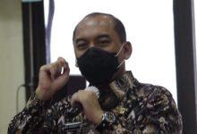 Photo of Walkot Jakbar Uus Kuswanto, meminta Camat dan Lurah Sigap memantau saluran air di Musim Penghujan
