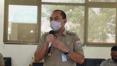 Photo of Walikota Jakbar Intruksikan Camat dan Lurah Antisipasi Banjir di Musim Penghujan