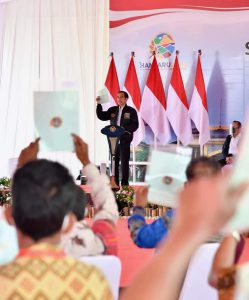 Presiden serahkan 22.007 Sertifikat Hak Atas Tanah di Humbang Hasundutan