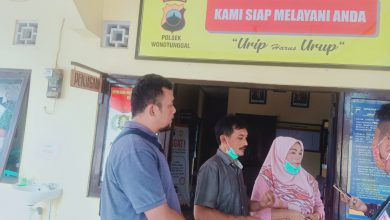 Photo of Polsek Wonotunggal Tidak Periksa Orang Yang Di Curigai Dalam Dugaan Pencurian Rumah