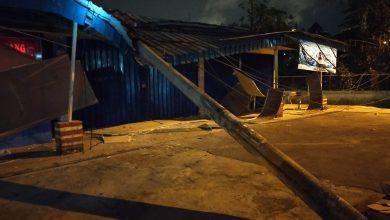 Photo of Tiang PLN Tumbang di Kelurahan Batu Selicin