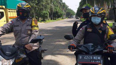 Photo of Cegah Aksi Unras Buruh ke Jakarta, Polsek Cisauk Bersama Koramil 03 Serpong dan Legok Lakukan Penyekatan di 4 Titik Lokasi