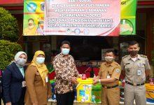 Photo of Komunitas Pendidikan Kalideres Gelar Baksos dengan Membagikan Tempat Cuci Tangan