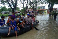 Photo of Banjir Landa Sei Rampah, Polres Sergai Dirikan Dapur Umum dan Turunkan Perahu Karet