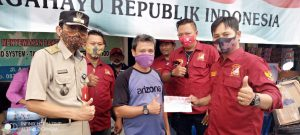 SKT FORPETAB Peduli bersama Lurah Angke Berikan Bantuan Korban Kebakaran