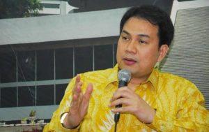 Usai Dibidik KPK Koleksi Kendaraan Mewah Azis Syamsuddin Jadi Sorotan