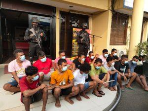Polisi Gerebek Kampung Narkoba Cengkareng, 45 Orang Diamankan