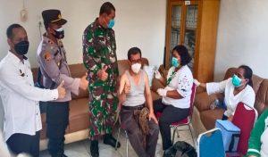 Polsek Padang Hulu dan Danramil Tebing Tinggi Lakukan Pengamanan Vaksinasi