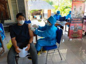 Vaksinasi Massal, 10 Personel Polres Tabanan Jadi Vaksinator