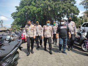 Kapolres Tabanan Dampingi Karo Ops Polda Bali Monitoring Vaksinasi Massal