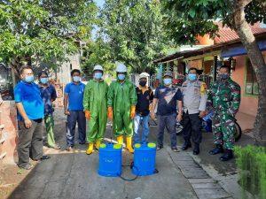Polsek Weleri Lakukan Penyemprotan Disinfektan di Desa Weleri
