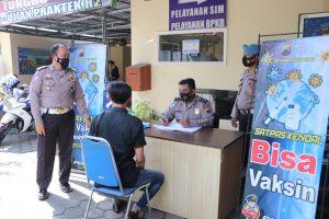Satlantas Polres Kendal Laksanakan Kegiatan Vaksin Bagi Pemohon SIM