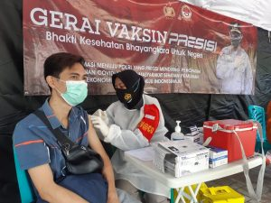 Hari ini, Gerai Vaksin Presisi Polres Kepulauan Seribu Suntik 62 Warga