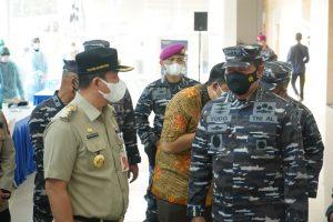 Gelar Vaksinasi Massal di Muara Baru, TNI AL Sasar 1000 Akseptor