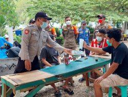 Polres Kepulauan Seribu Bagikan 1700 Masker Medis di 8 Pulau