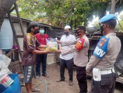 Bersama Tomas, Polsek Kepulauan Selatan Bagikan Bansos ke 42 KK di Pulau Untung Jawa