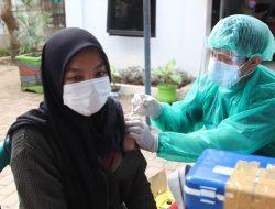 Warga Rorotan Jakut Aktif Ikuti Program Vaksinasi