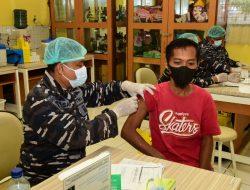 SMAN 40 Pademangan Jadi Lokasi Serbuan Vaksinasi TNI AL