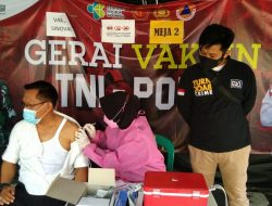 Serbuan Vaksin Tahap Dua Mulai Diberikan ke Penduduk Kepulauan Seribu