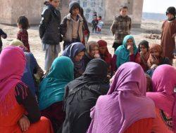 Dievakuasi Tentara AS, Wanita Afghanistan Melahirkan Dalam Pesawat